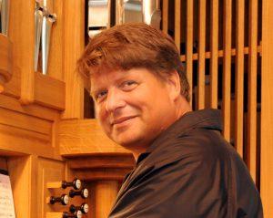 Martin Wenning an der Orgel